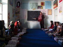 Afghanistans verkleidete Mädchen