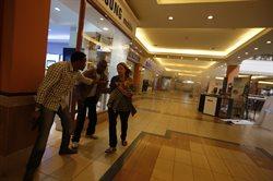 Terroryści w galerii handlowej