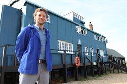 Charlie Luxton: domy nad morzem