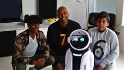 Robot wam doradzi