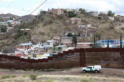 Granica: życie w cieniu muru
